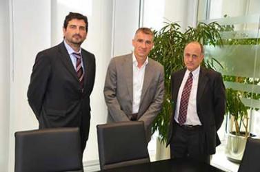 Firma contrato de partners con Wolters Kluwer